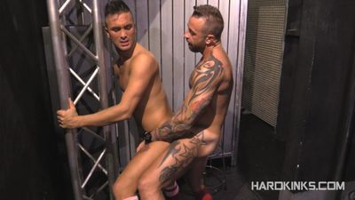Hard Kinks download
